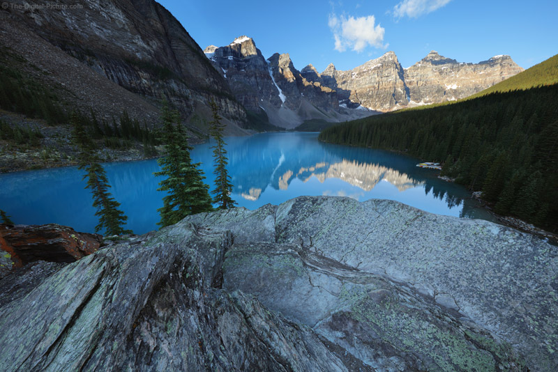 One Of The Most Beautiful Places On Earth Moraine Lake