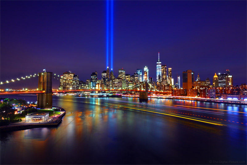 9 11 Tribute In Light Brooklyn Bridge One World Trade